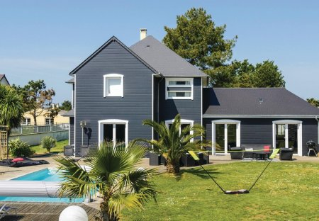 Villa in Bretteville-sur-Ay, France