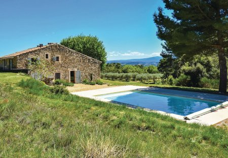 Villa in Cucuron, the South of France