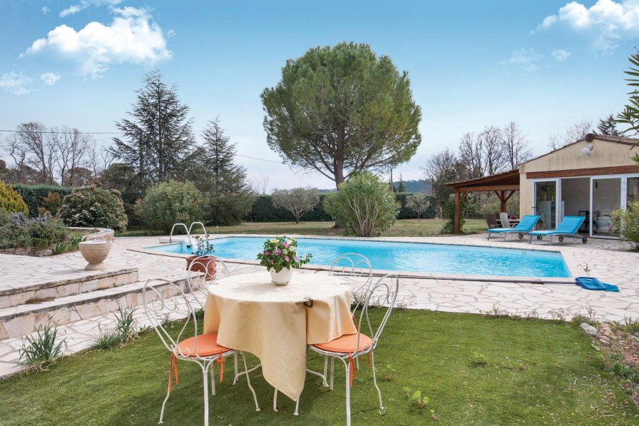 Villa to rent in Figanières, South of France