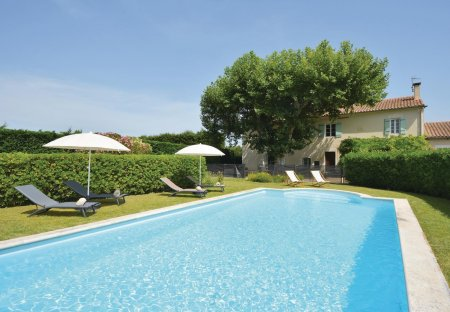 Villa in Châteaurenard Nord, the South of France