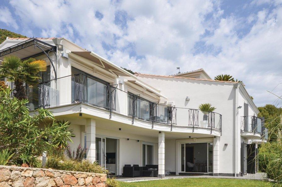 Villa rental in Gattières, South of France