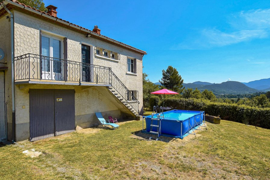 Holiday villa in Entrechaux, South of France