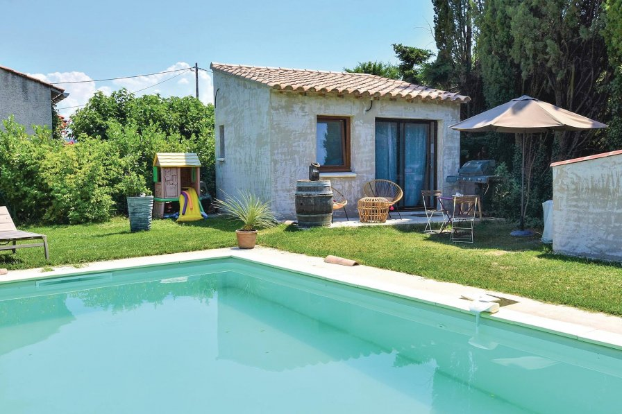 Villa rental in Sainte-Cécile-les-Vignes, South of France