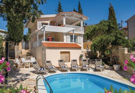 Villa in Vrboska, Croatia
