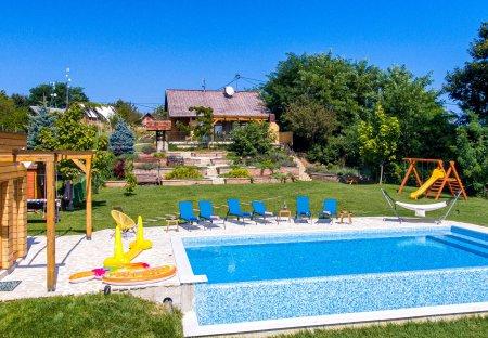 Villa in Dragoslavec, Croatia
