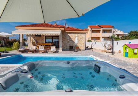 Villa in Vrsi, Croatia