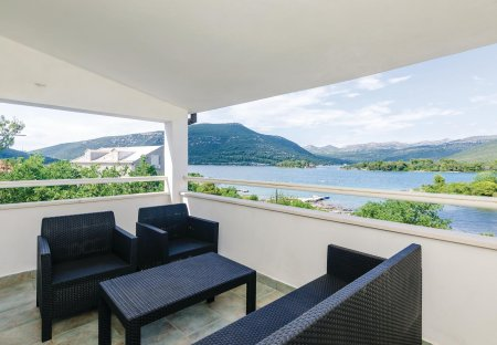 Apartment in Hodilje, Croatia