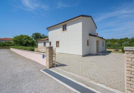 Villa in Radetići, Croatia