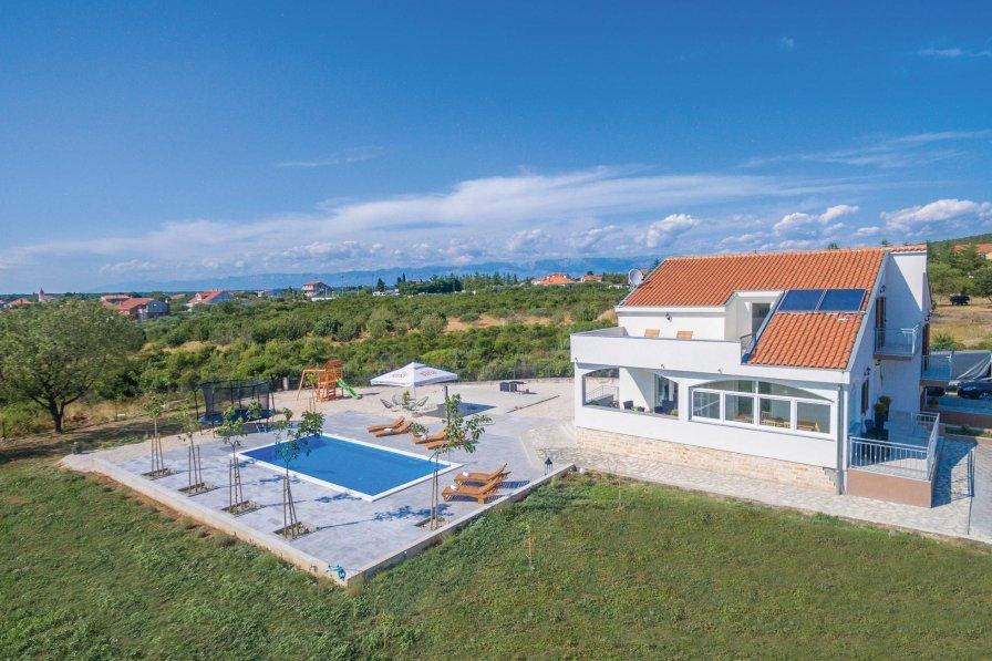 Villa in Croatia, Debeljak