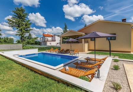Villa in Heki, Croatia
