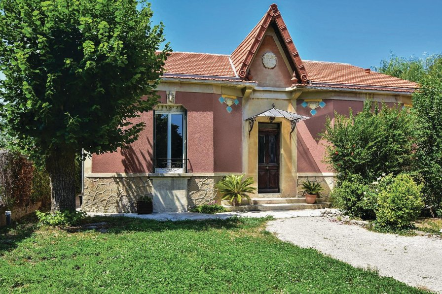 Holiday villa in Le Thor, South of France