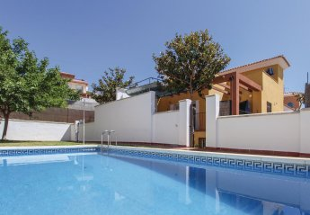 4 bedroom Villa for rent in Torrox