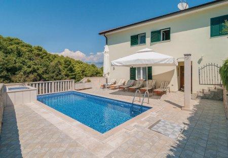 Villa in Splitska, Croatia