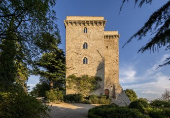 6 bedroom Chateau for rent in Todi