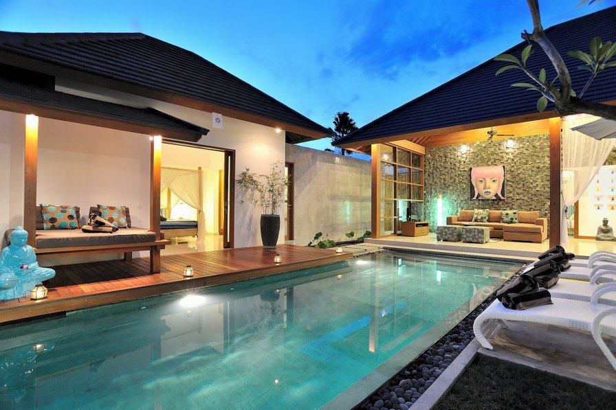 Owners abroad VILLA FLORES· Centrally located Beautiful Villa in Seminyak