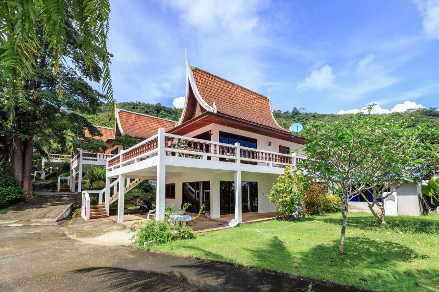 LARGE 4 BEDROOMS VILLA IN KAMALA