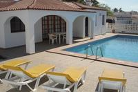 La Quinta 245  - 2 bed villa with heated pool and sea views
