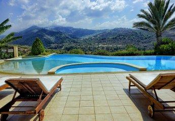 6 bedroom Villa for rent in Argaka