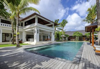 6 bedroom Villa for rent in Seminyak