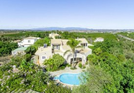 Villa in Venda Nova, Algarve