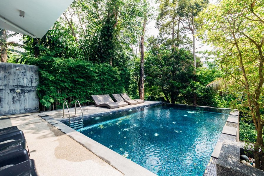 Thai holiday apartment rental with shared pool