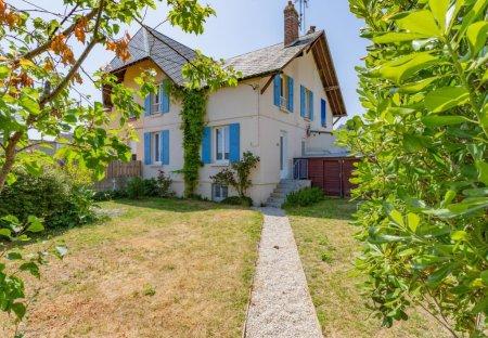 House in Cites-Cottage, France