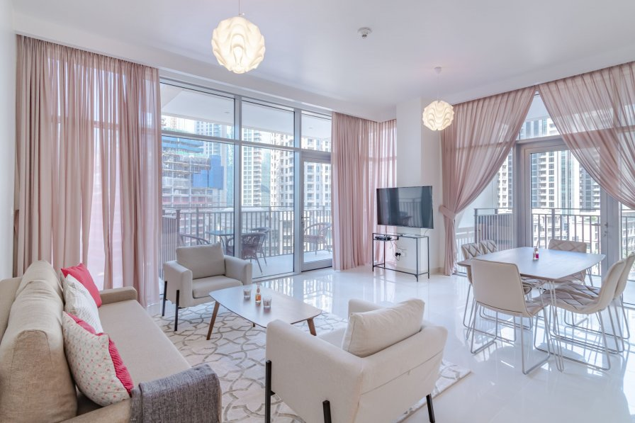 Owners abroad Stunning 2 BR | Burj Khalifa View| Blvd Crescent Downtown