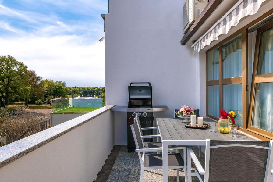 Apartment in Croatia, Pula: Apartments Lovric