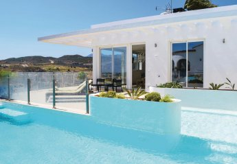 5 bedroom Villa for rent in Estepona
