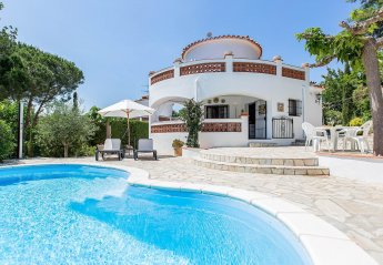 4 bedroom Villa for rent in Mas Pere