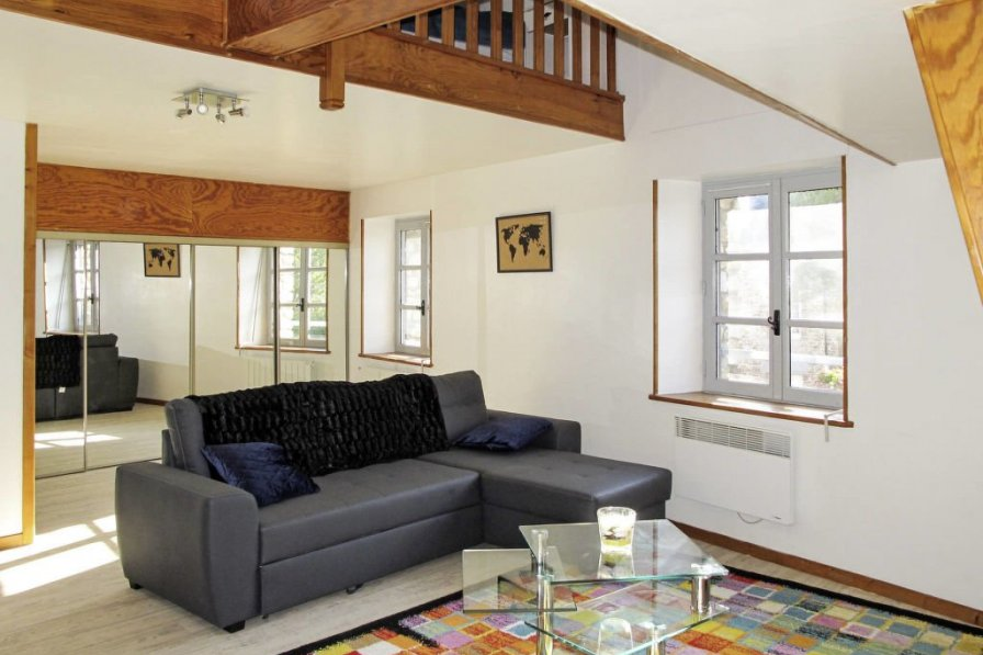 House in France, Créances