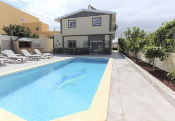 6 bedroom Villa for rent in Arona