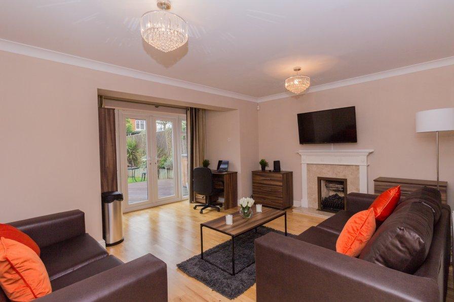5 Bedroom house near Windsor castle and Legoland