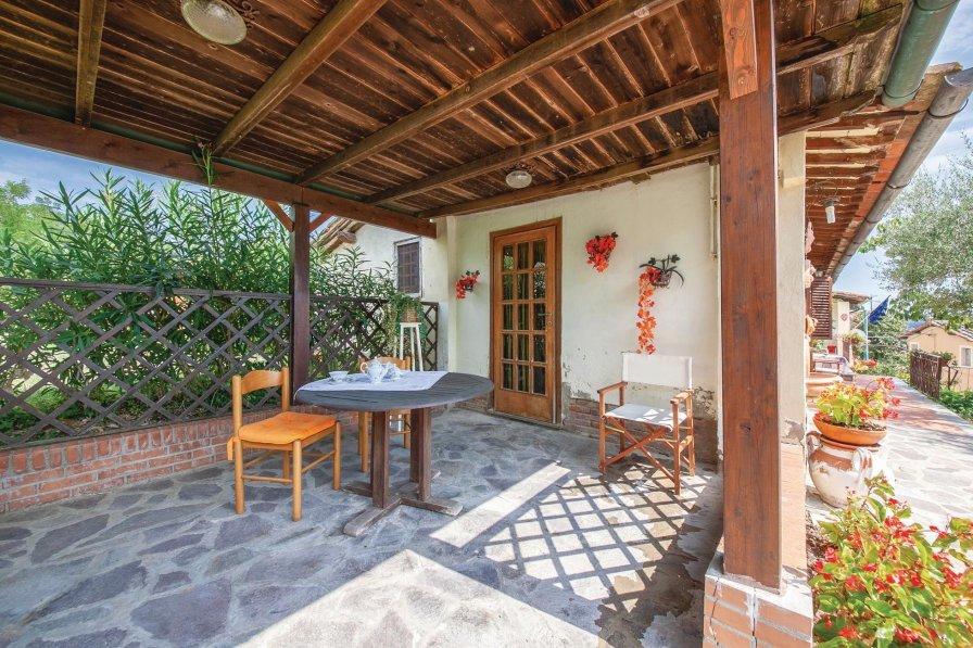 Villa in Italy, Montefoscoli