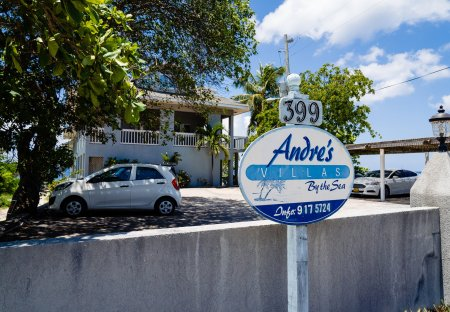 Apartment in Grand Cayman, Cayman Islands