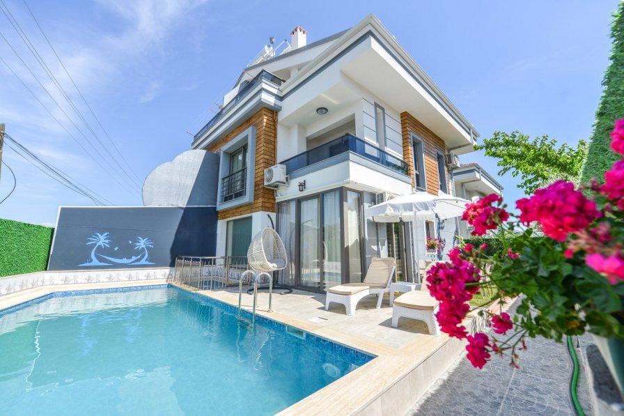 Villa in Turkey, Günlükbasi