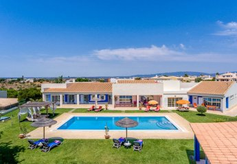 4 bedroom Villa for rent in Alvor