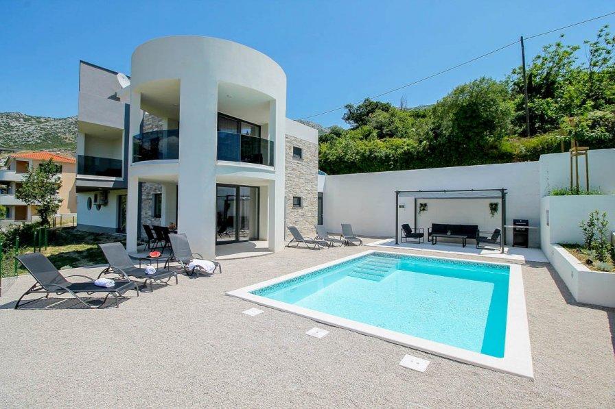 Villa in Croatia, Klis