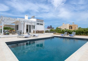 3 bedroom Villa for rent in Rhodes Town