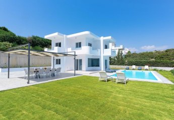 5 bedroom Villa for rent in Rhodes Town