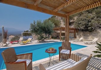 Villa in Greece, Istron