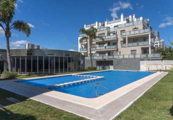 4 bedroom Apartment for rent in Oliva