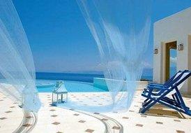 6 guest luxury villa in Elounda