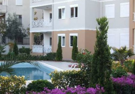 Apartment in Manavgat, Turkey: Step outside to the pool and garden