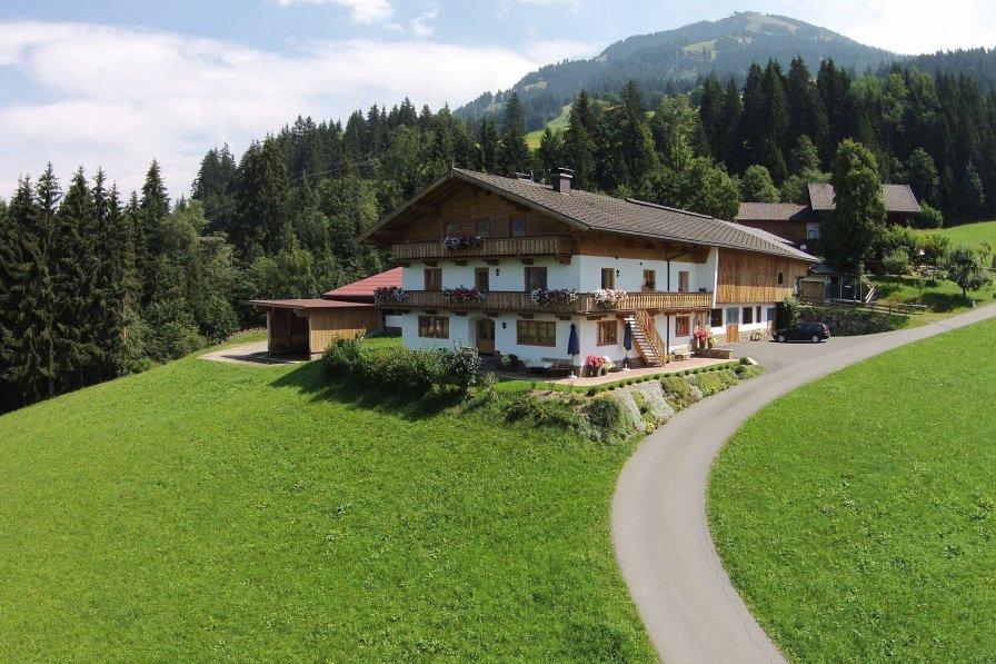 Owners abroad Glonersbühelhof