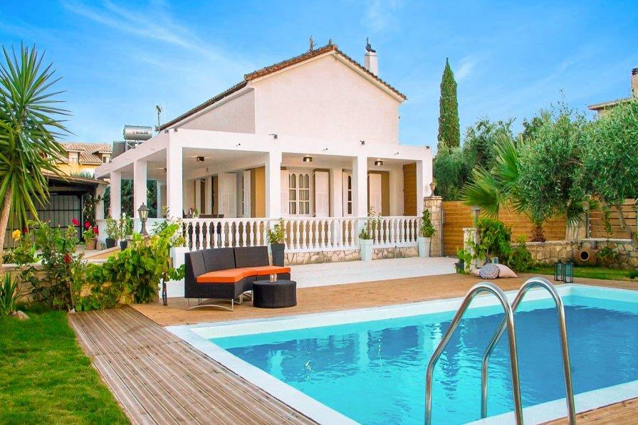 Owners abroad Villa Pnoe