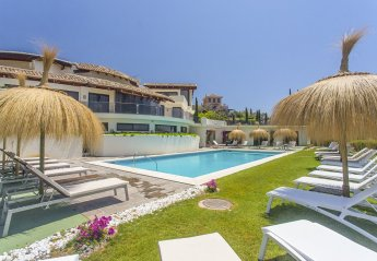 10 bedroom Villa for rent in Benahavis