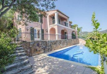 5 bedroom Villa for rent in Saint Raphael