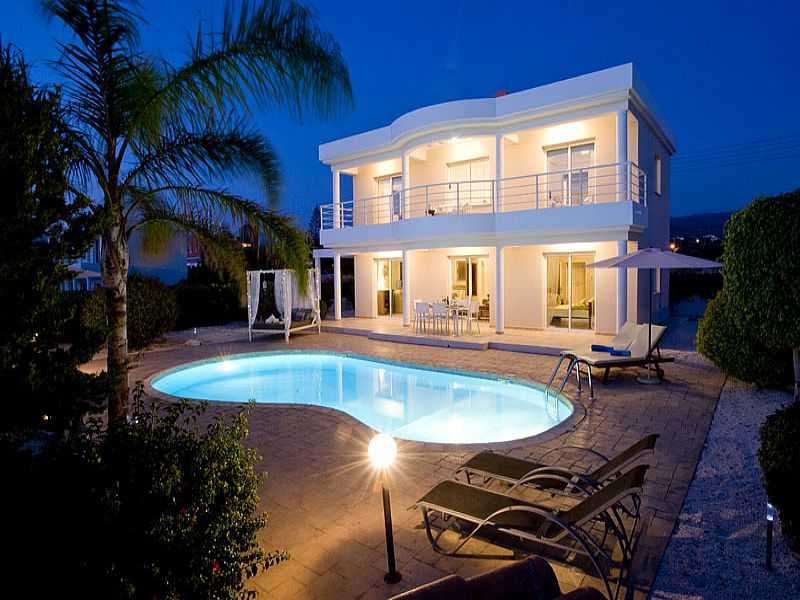 Villa in Cyprus, Agios Georgios: Villa at Night