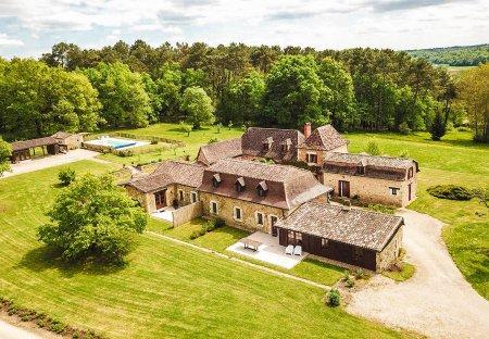 Villa in Issac, France